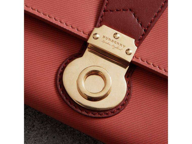 Two-tone Trench Leather Continental Wallet in Blossom Pink/antique Red - Women | Burberry United States - cell image 1