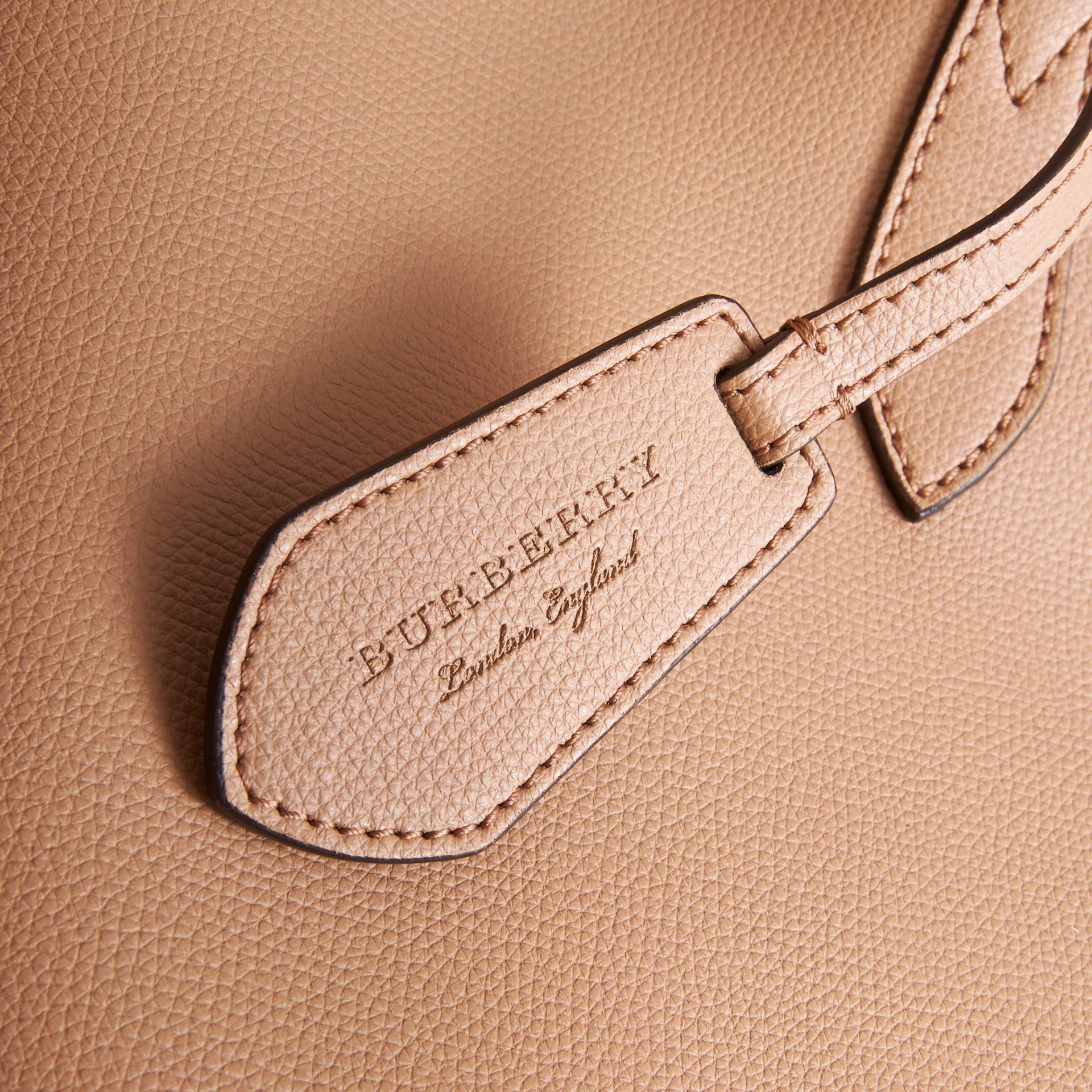 The Medium Reversible Tote in Haymarket Check and Leather in Mid Camel - Women | Burberry Singapore - gallery image 2