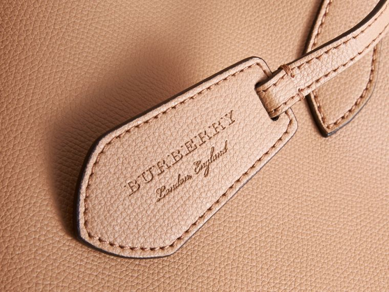 The Medium Reversible Tote in Haymarket Check and Leather in Mid Camel - Women | Burberry Australia - cell image 1