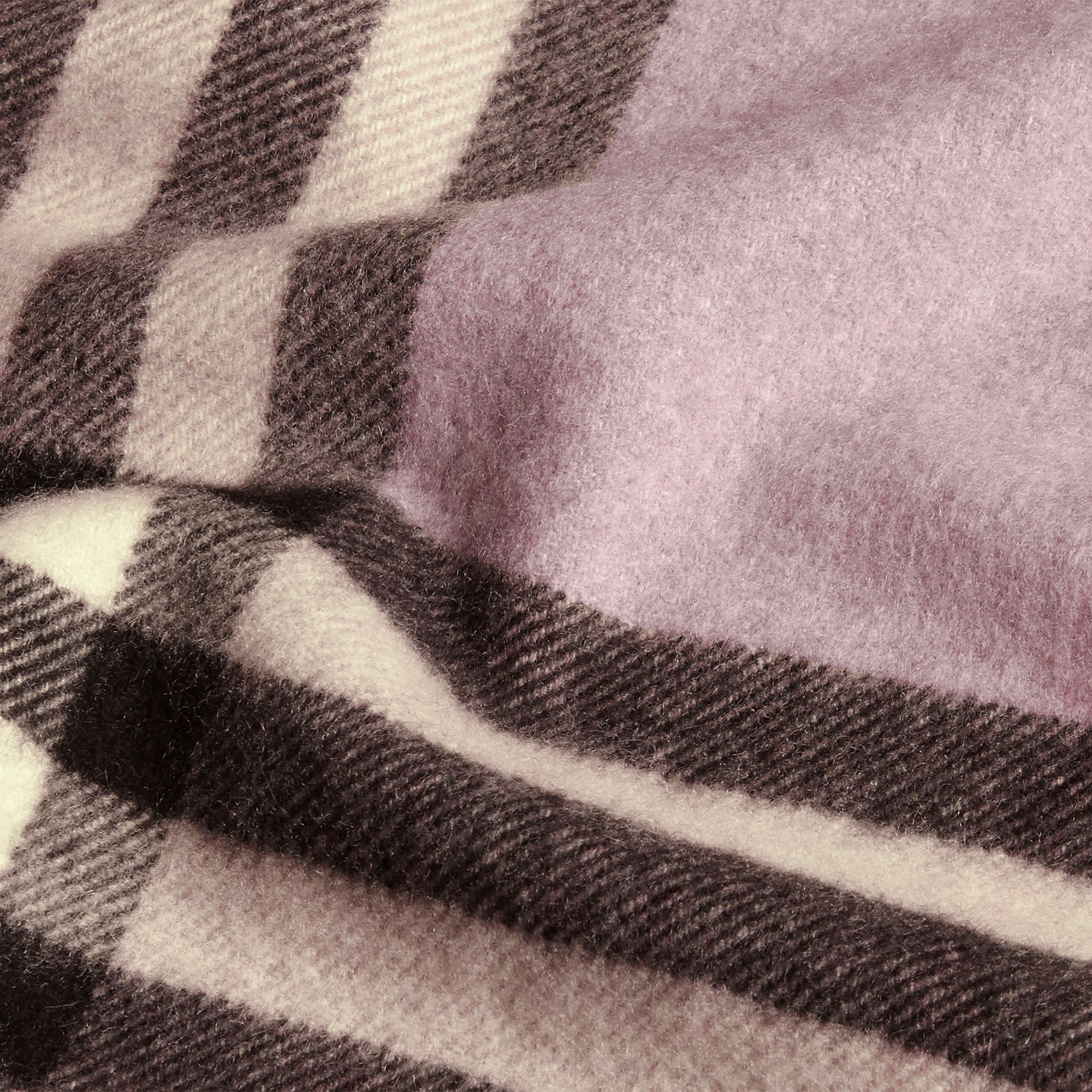 Dusty lilac The Classic Cashmere Scarf in Check Dusty Lilac - gallery image 5