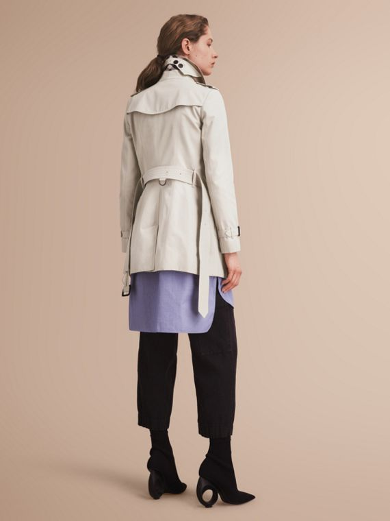 The Chelsea – Short Heritage Trench Coat in Stone - cell image 2