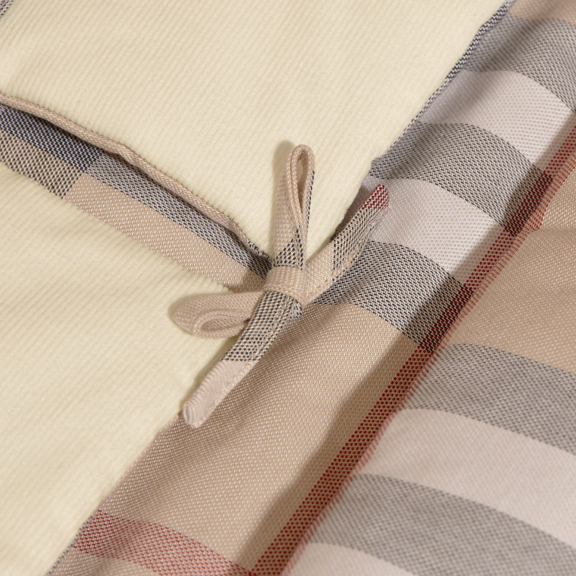 Check-Lined Baby Nest in Off White - Girl | Burberry - gallery image 2