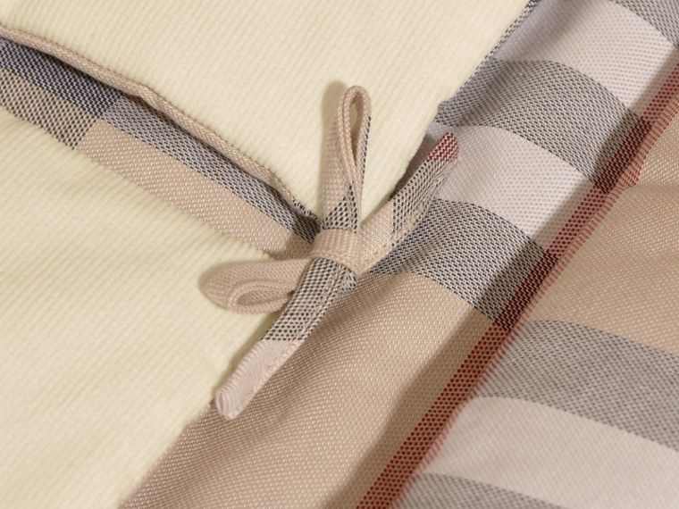Check-Lined Baby Nest in Off White - Girl | Burberry - cell image 1