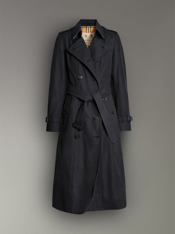 The Long Chelsea Heritage Trench Coat in Midnight - Women | Burberry United Kingdom - cell image 3