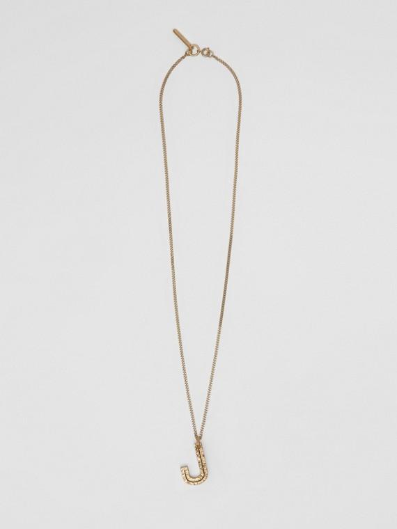 Collana con ciondolo a forma di J in metallo placcato oro (Chiaro)