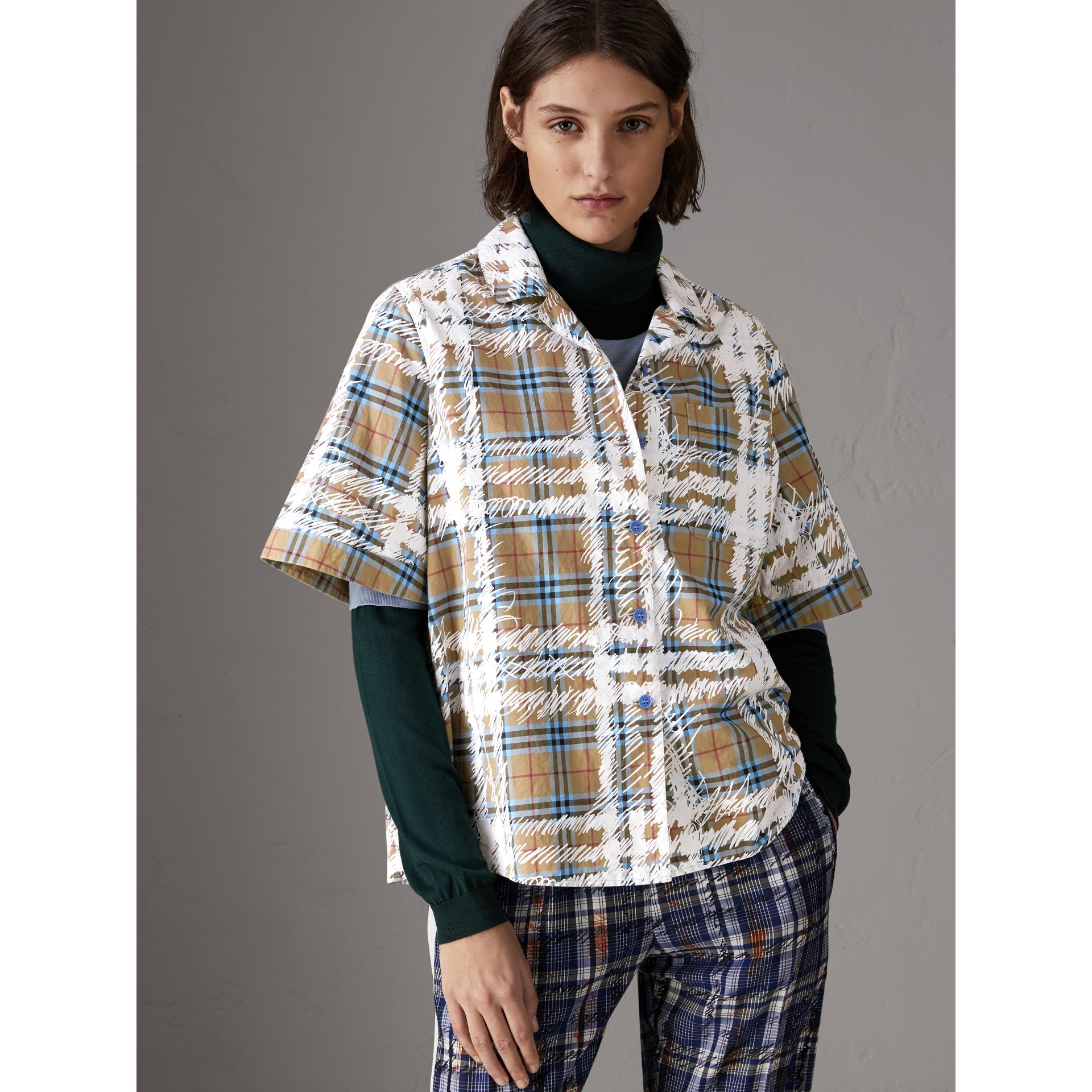 Short-sleeve Scribble Check Cotton Shirt in Bright Mineral Blue - Women | Burberry United Kingdom - gallery image 4
