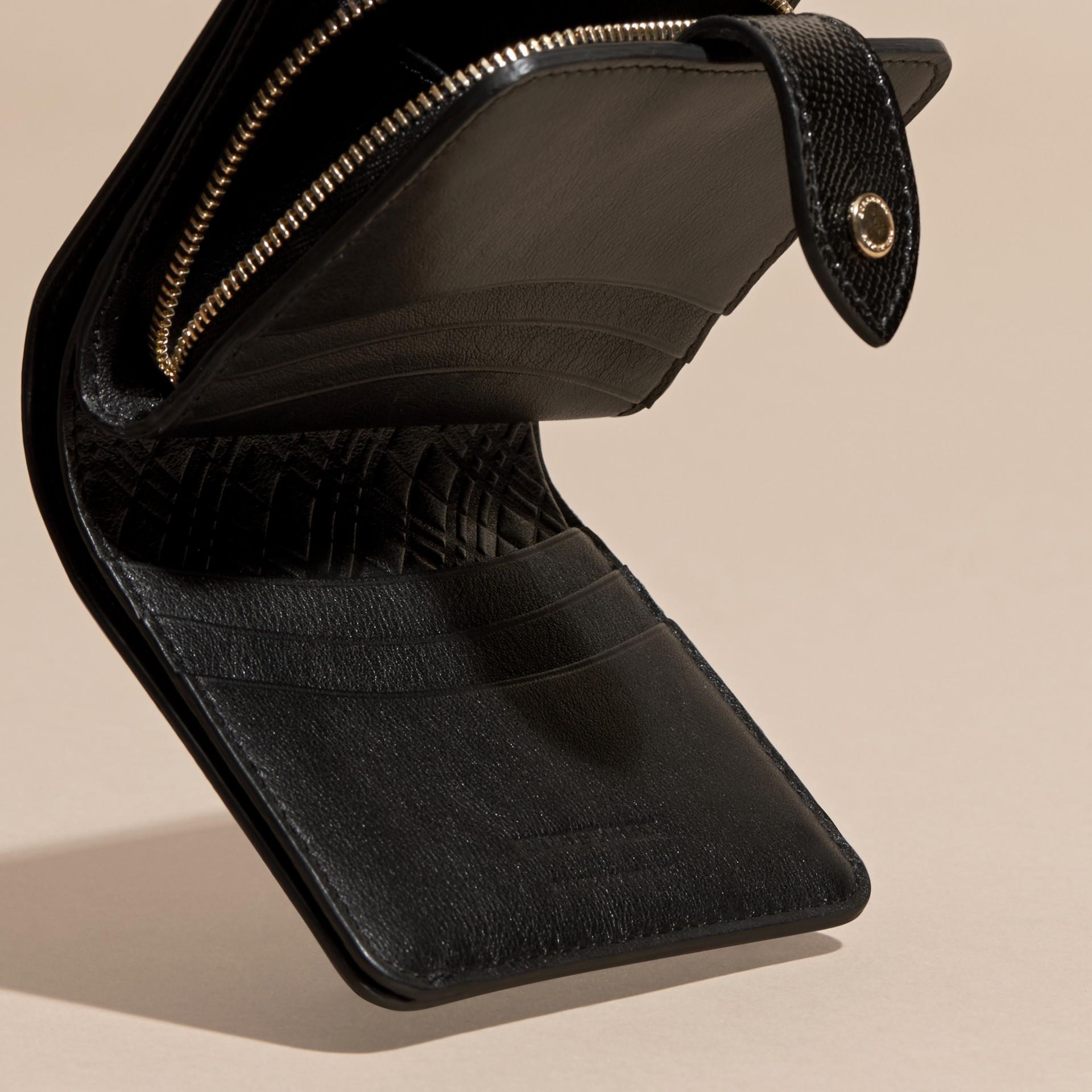 Nero Portafoglio in pelle London verniciata Nero - immagine della galleria 5