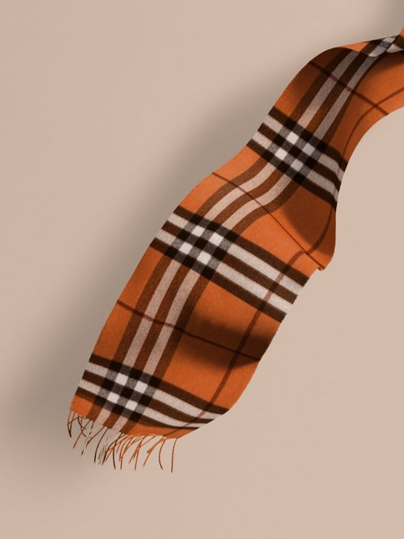 The Classic Cashmere Scarf in Check Burnt Orange
