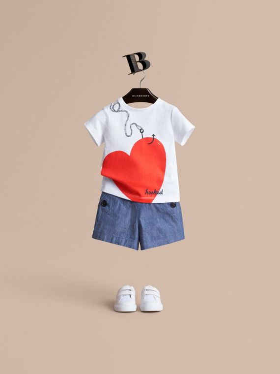 Hooked Heart Motif Cotton T-shirt in White