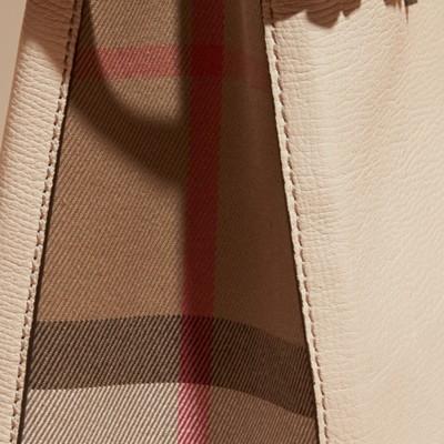 Burberry - Petit sac The Banner en cuir et coton House check - 6