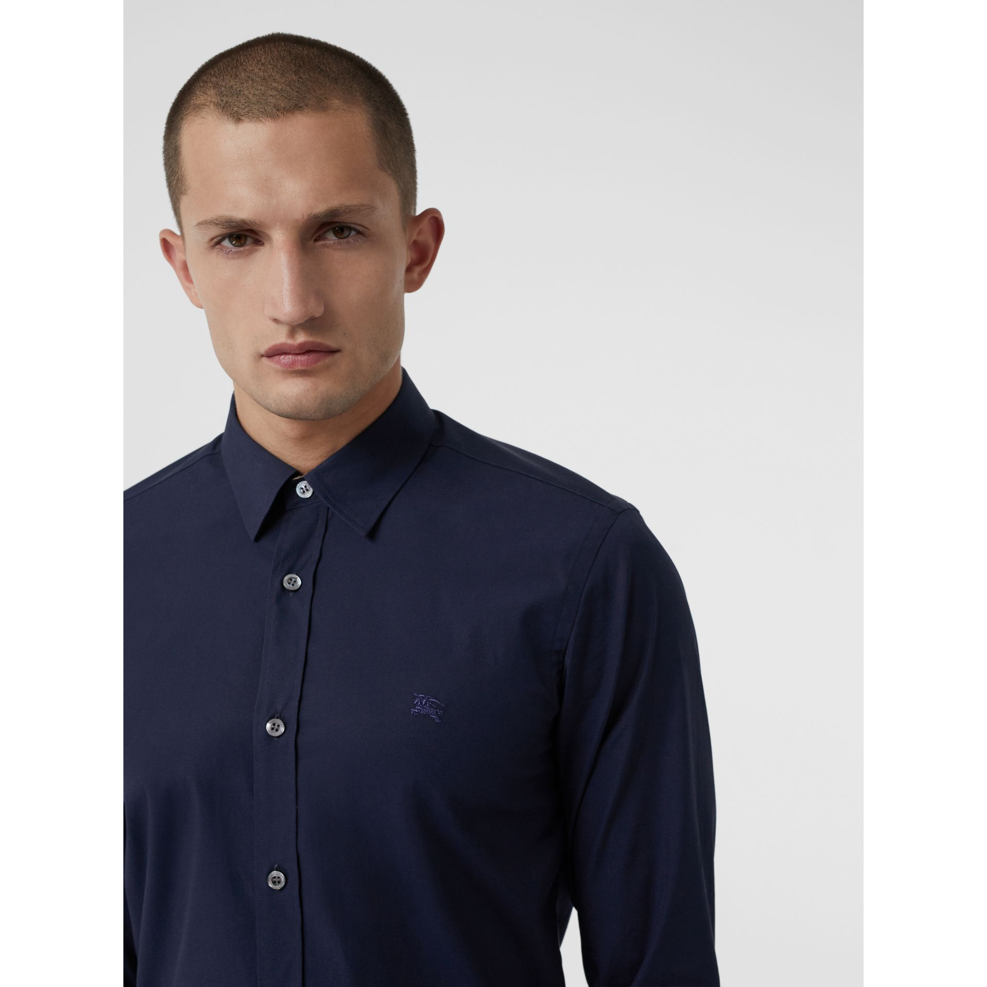 Check Cuff Stretch Cotton Poplin Shirt in Navy - Men | Burberry Australia - gallery image 4