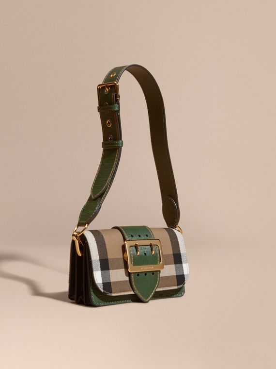 The Small Buckle Bag aus House Check-Gewebe und Leder Irischgrün/irischgrün