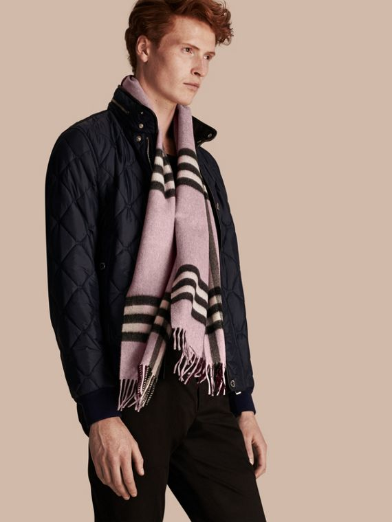 The Classic Cashmere Scarf in Check in Dusty Lilac - cell image 3