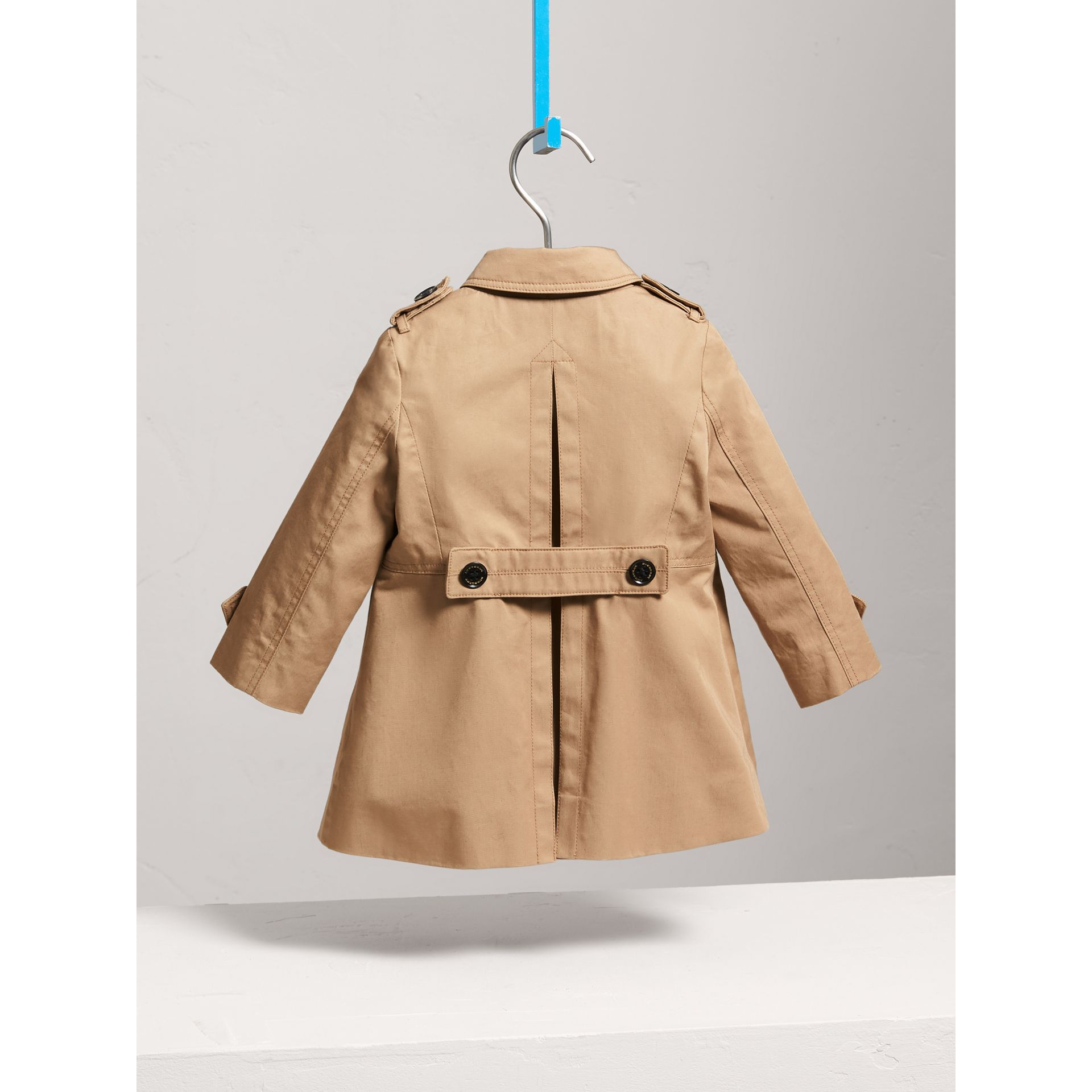Trench-coat en coton à boutonnage simple (Miel) | Burberry - photo de la galerie 3