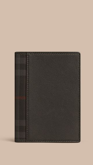 Check Detail Leather Passport Cover