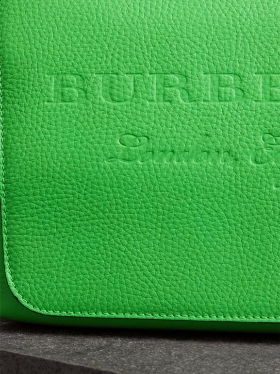 Borsa messenger media in pelle goffrata (Verde Neon) | Burberry - cell image 1