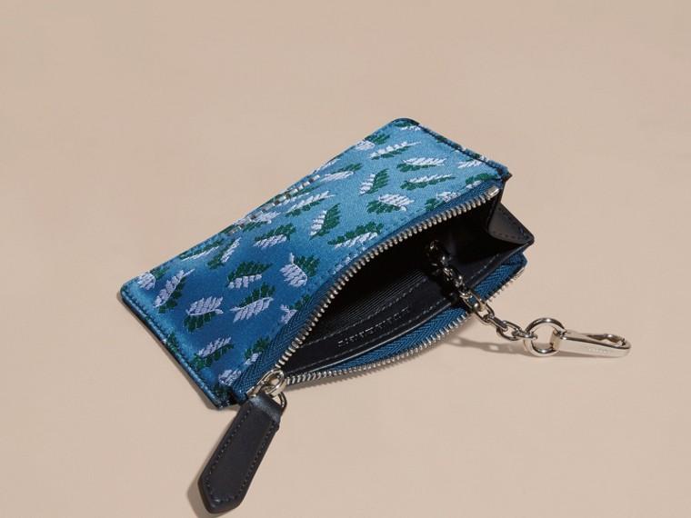 Bleu azur intense Portefeuille en jacquard à motif feuillage avec zip supérieur Bleu Azur Intense - cell image 4