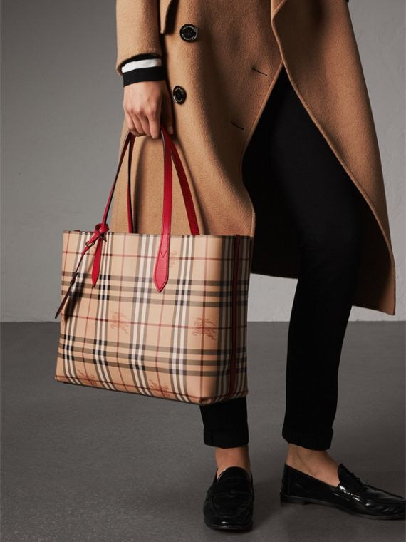 The Medium Reversible Tote in Haymarket Check and Leather in Poppy Red - Women | Burberry - cell image 3