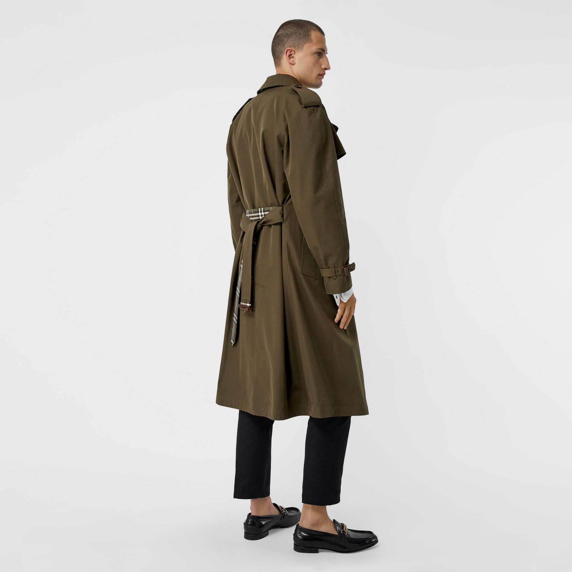 Reversible Tropical Gabardine and Check Trench Coat in Olive Green - Men | Burberry United Kingdom - gallery image 2