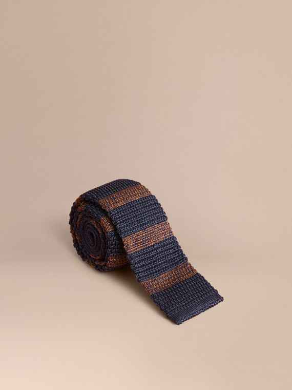Slim Cut Two-tone Knitted Silk Tie in Navy