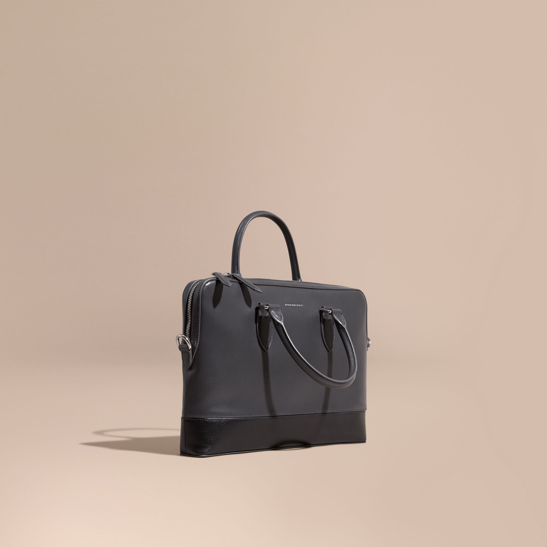 Anthracite/noir Sac The Barrow fin en cuir London à panneaux Anthracite/noir - photo de la galerie 1