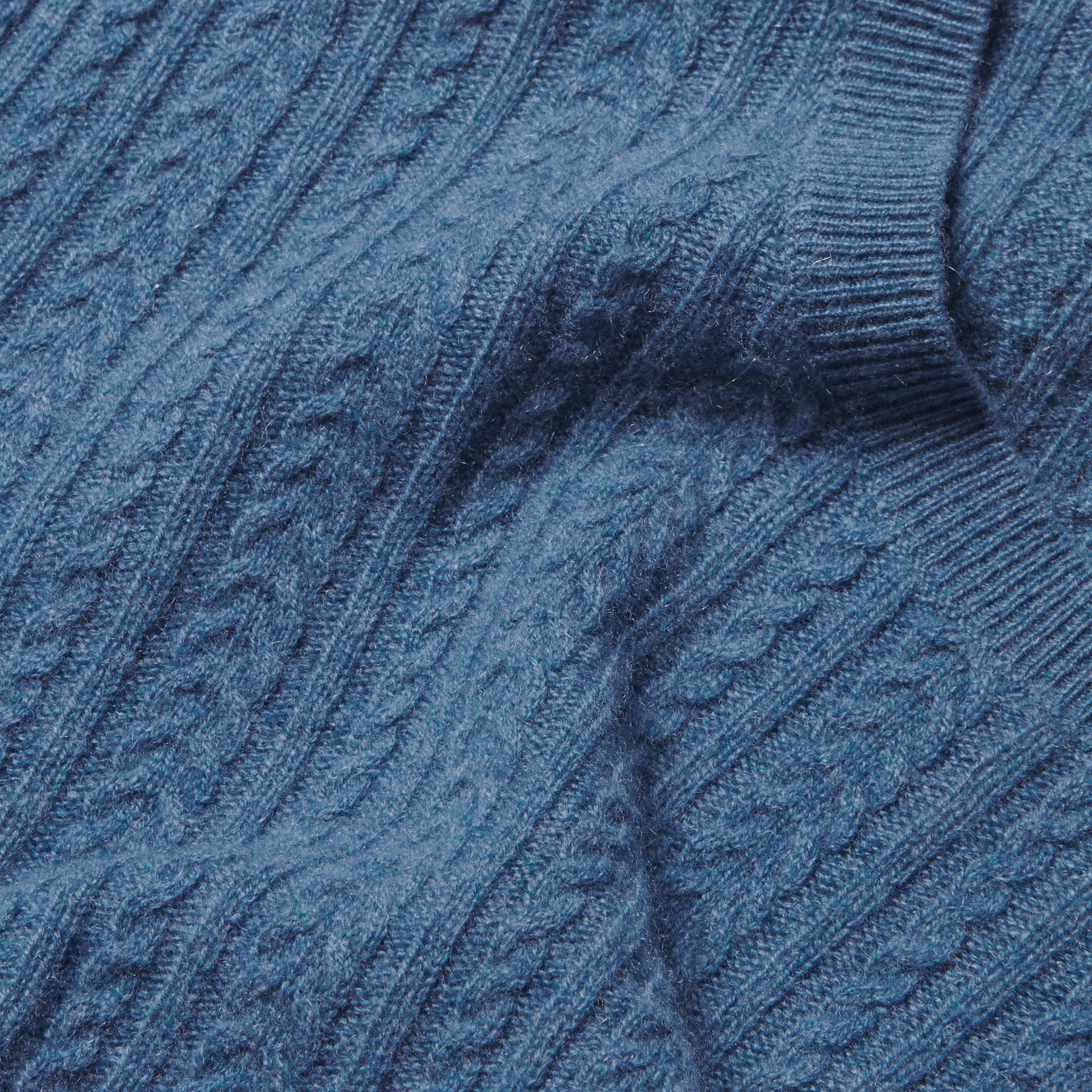 Azul hortênsia Suéter de cashmere em ponto Aran Azul Hortênsia - galeria de imagens 2