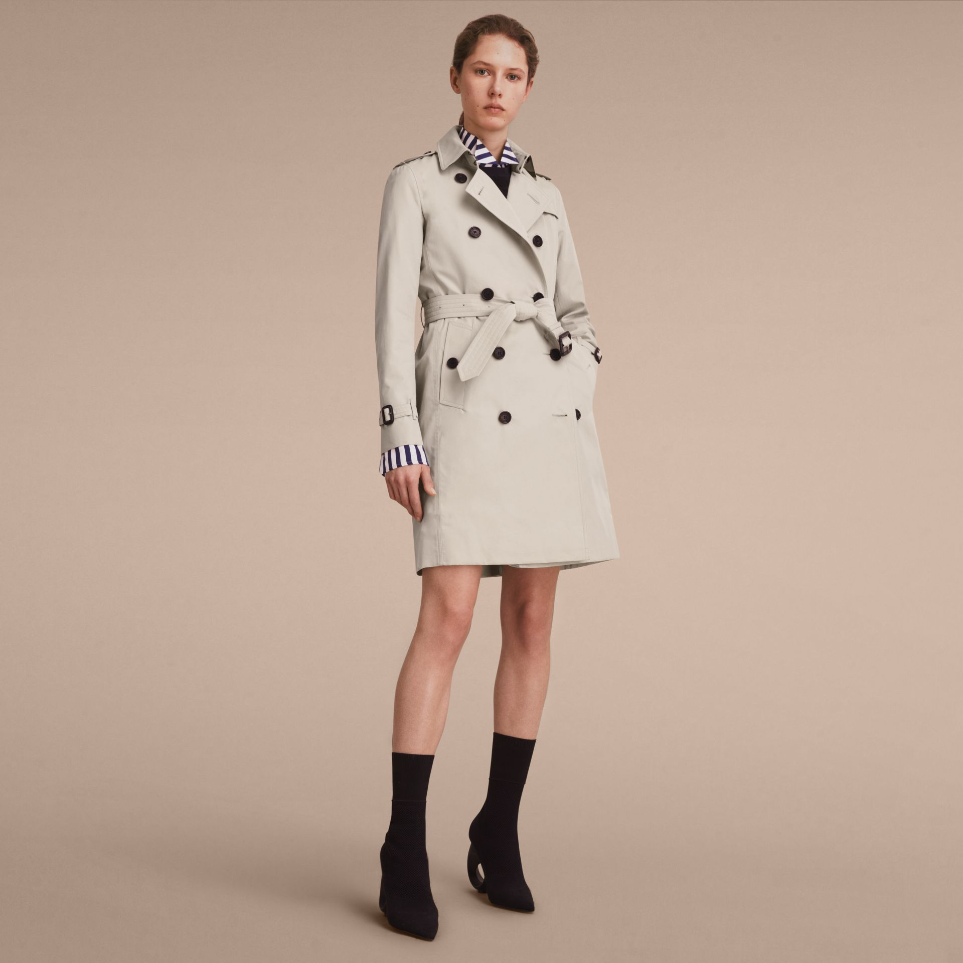 The Kensington – Long Heritage Trench Coat in Stone - Women | Burberry Canada - gallery image 1