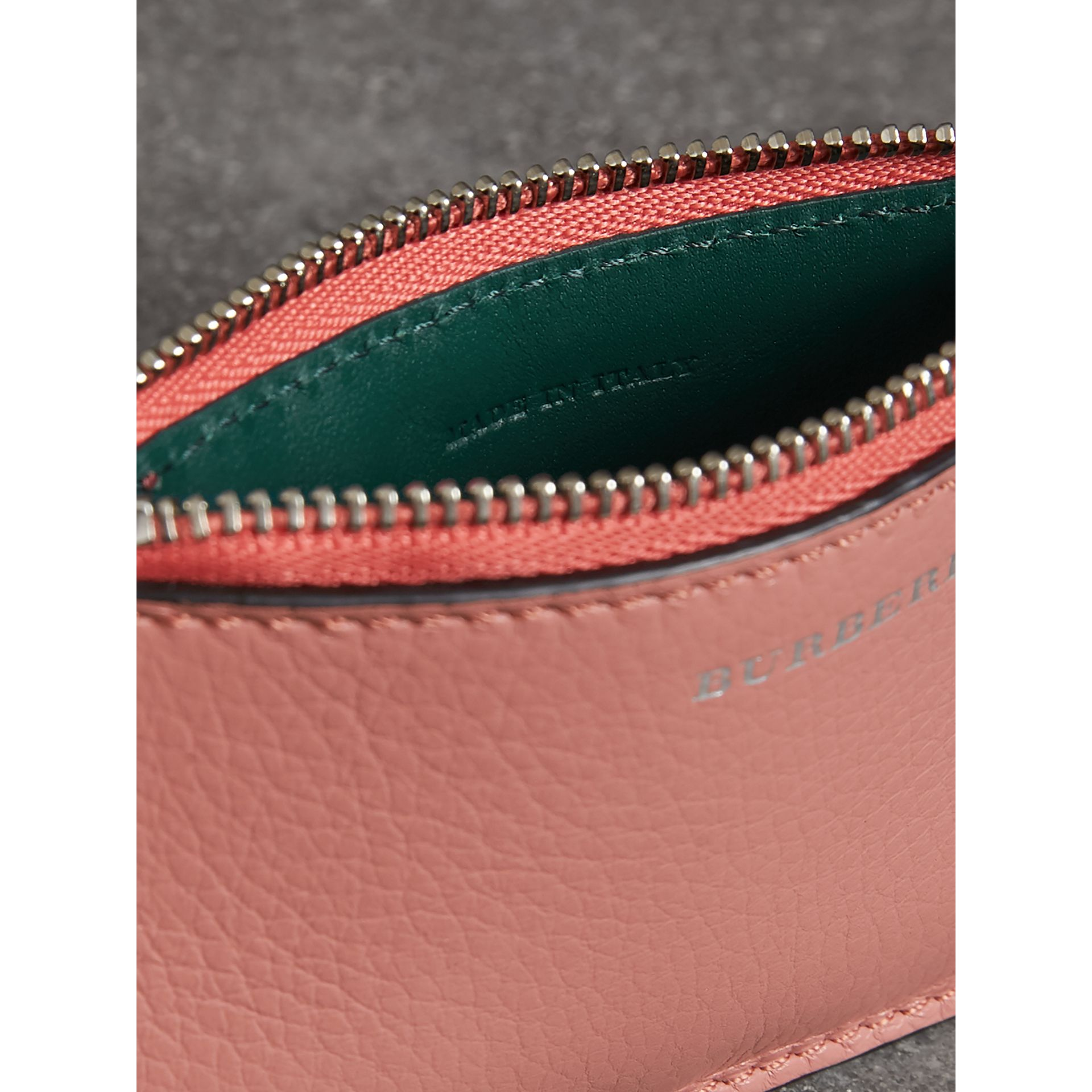 Two-tone Leather Zip Card Case in Dusty Rose - Women | Burberry Canada - gallery image 3