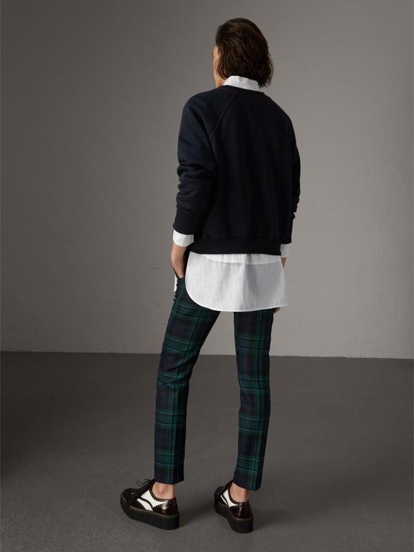 Sudadera en tejido jersey de mezcla de algodón con logotipo bordado (Azul Marino) - Mujer | Burberry - cell image 2