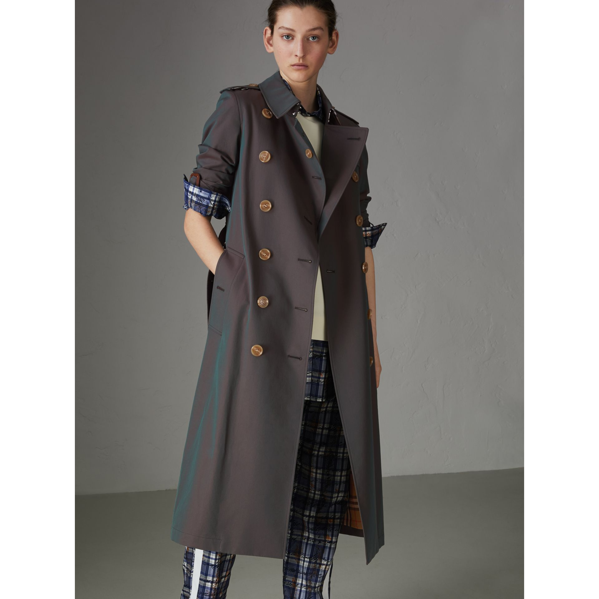 Tropical Gabardine Trench Coat in Dark Antique Green - Women | Burberry United States - gallery image 6