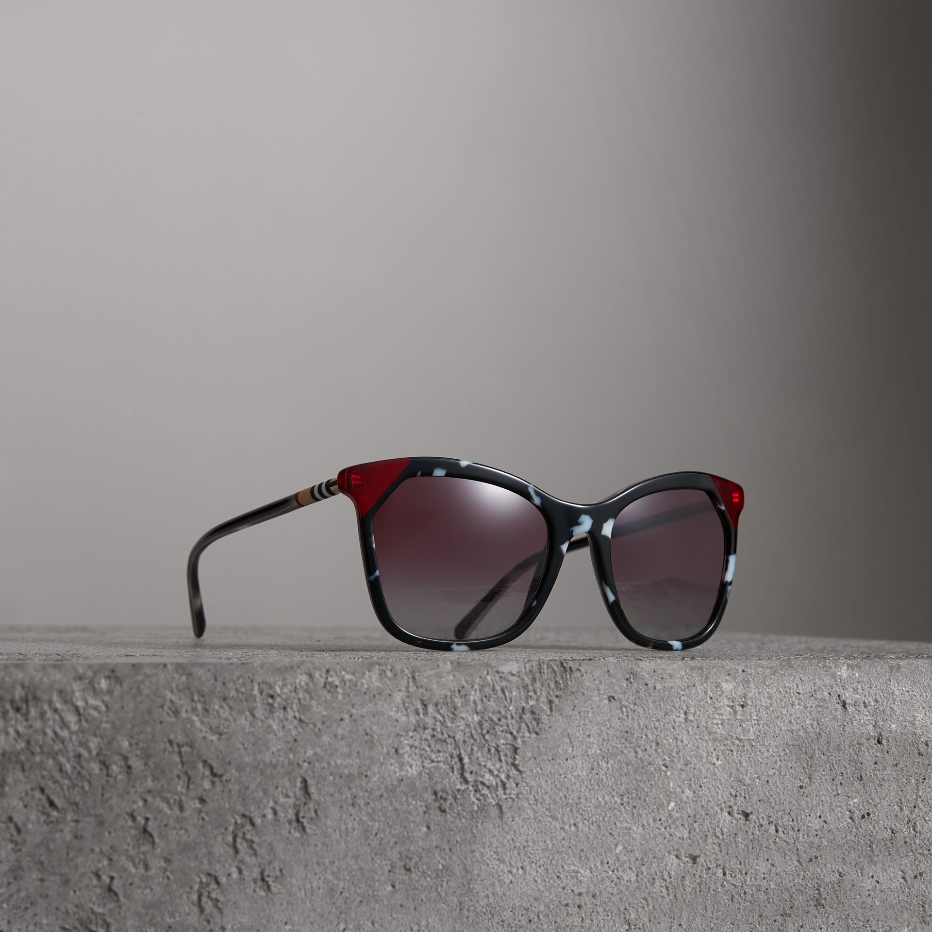 Marble-effect Square Frame Sunglasses in Dark Grey - Women | Burberry United States - gallery image 0