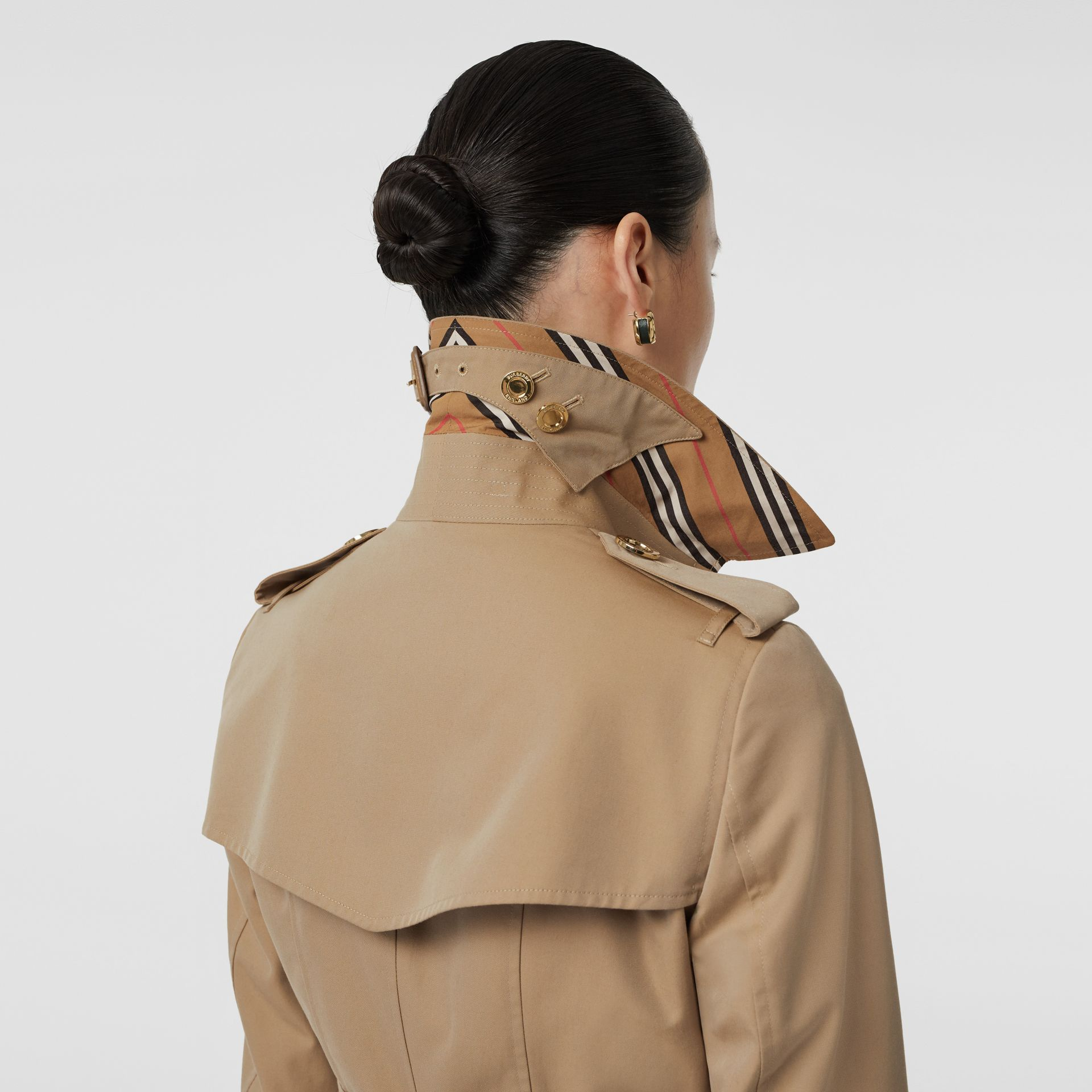 Gold Button Cotton Gabardine Trench Coat in Honey - Women | Burberry Canada - gallery image 5