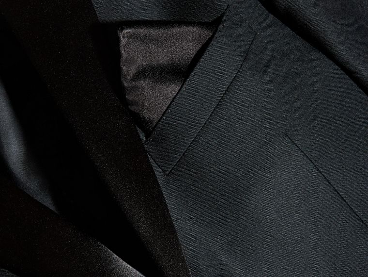 Black Silk Pocket Square Black - cell image 2