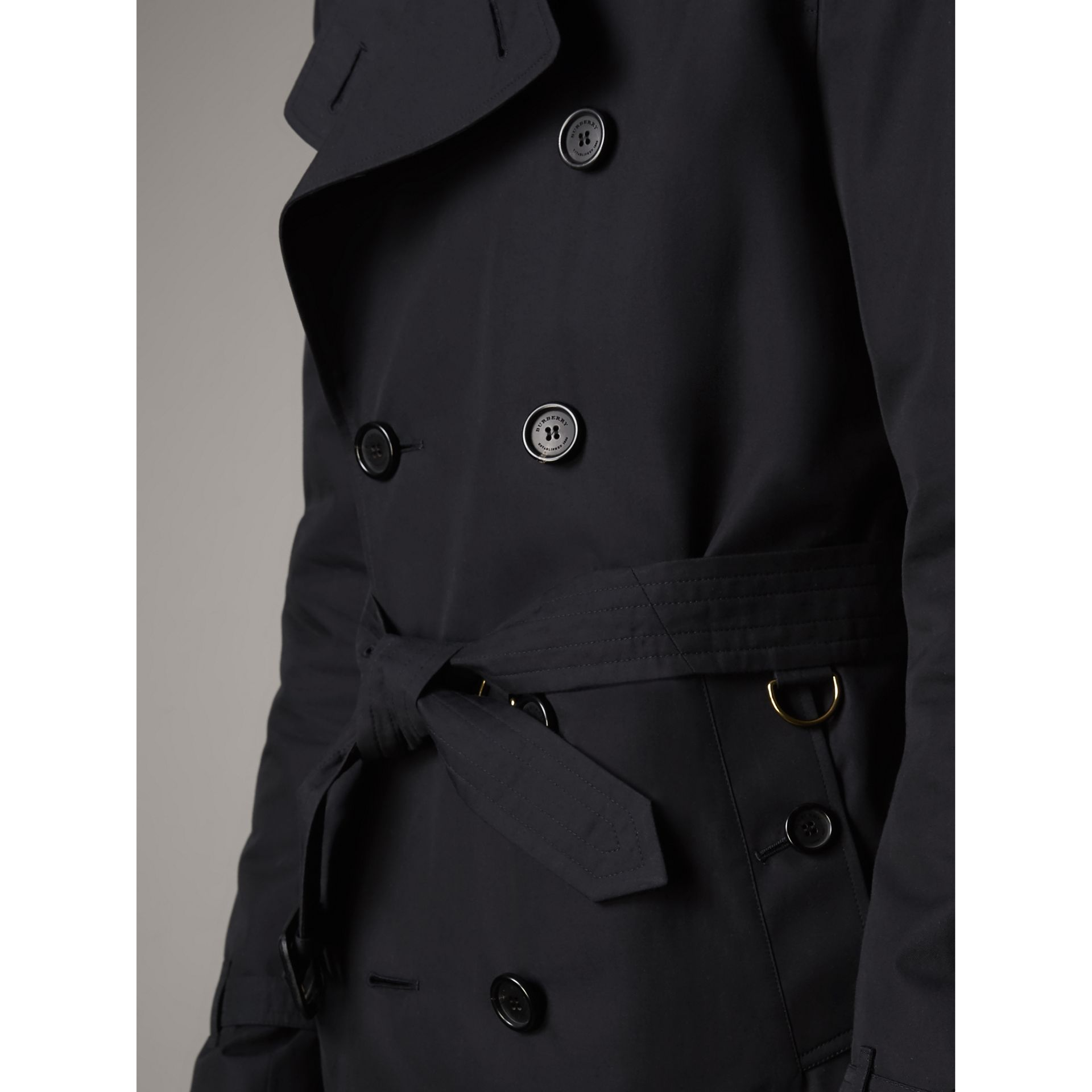 The Kensington – Short Heritage Trench Coat in Navy - Men | Burberry Singapore - gallery image 6