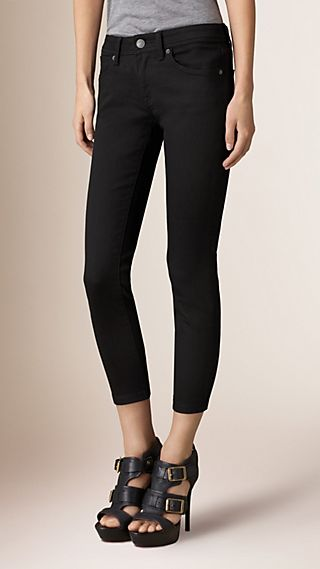 Skinny Fit Low-Rise Cropped Power-Stretch Jeans