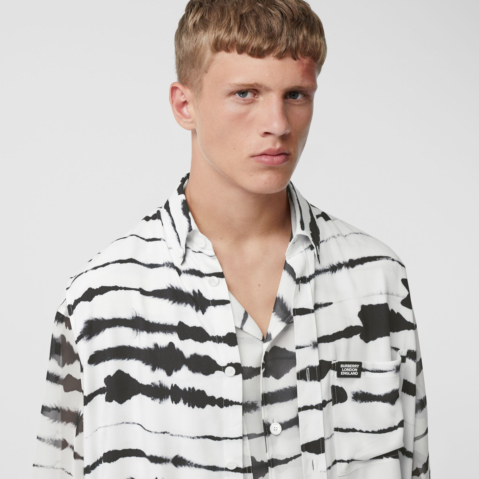 Short-sleeve Silk Overlay Watercolour Print Twill Shirt in Monochrome | Burberry United States - gallery image 9
