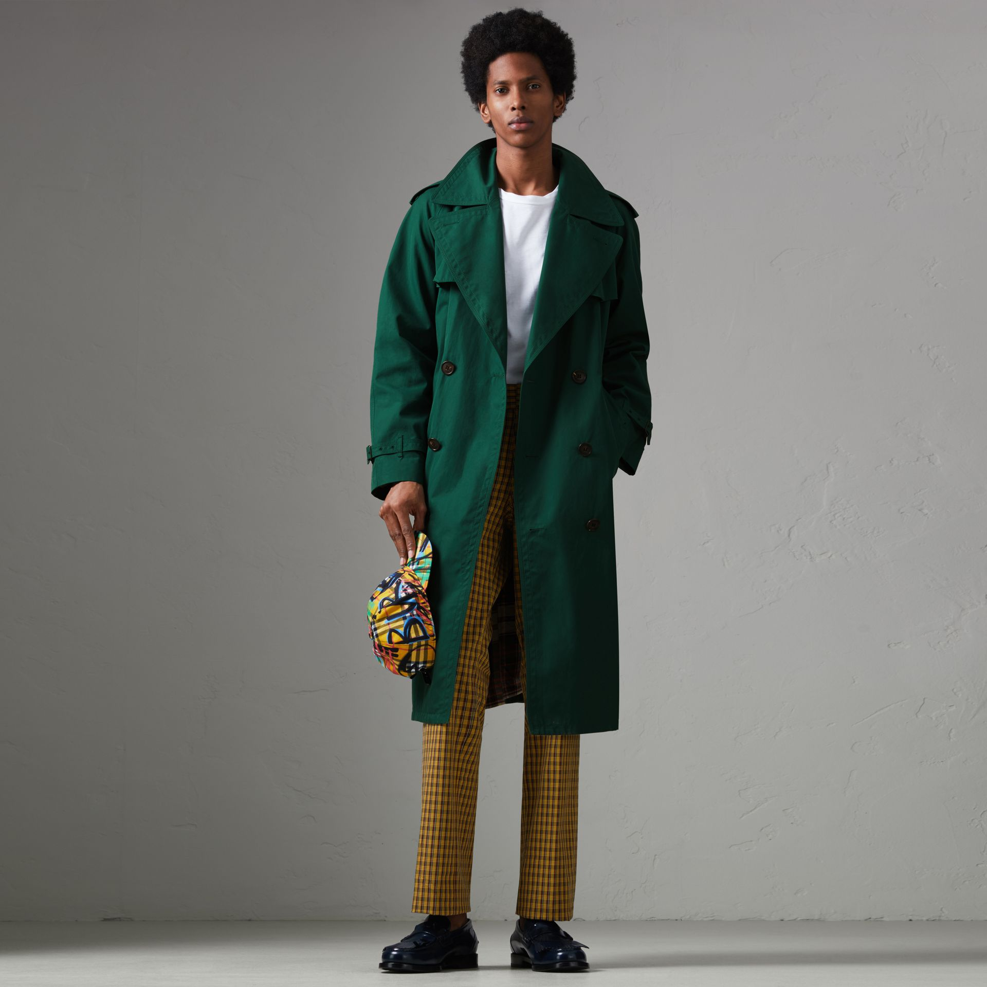 Gun-flap Detail Cotton Gabardine Trench Coat in Deep Veridian Green - Men | Burberry - gallery image 0