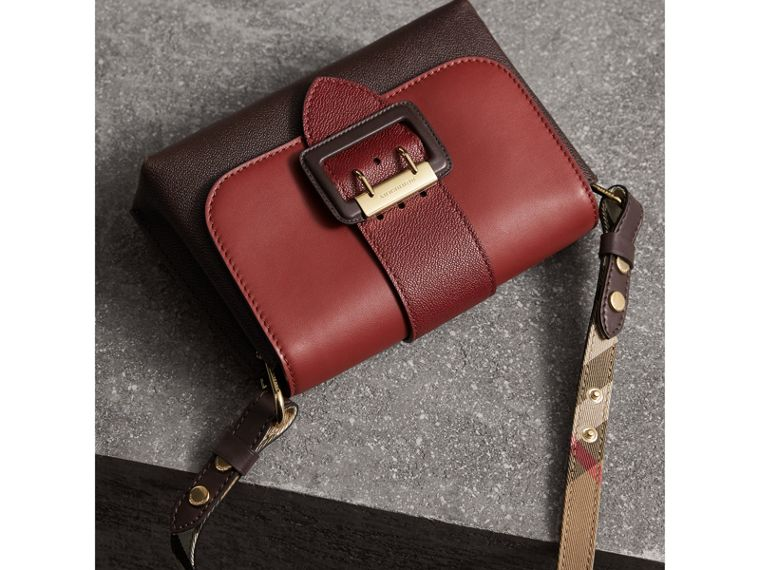 The Buckle Crossbody Bag in Colour-block Leather in Burgundy - Women | Burberry - cell image 4