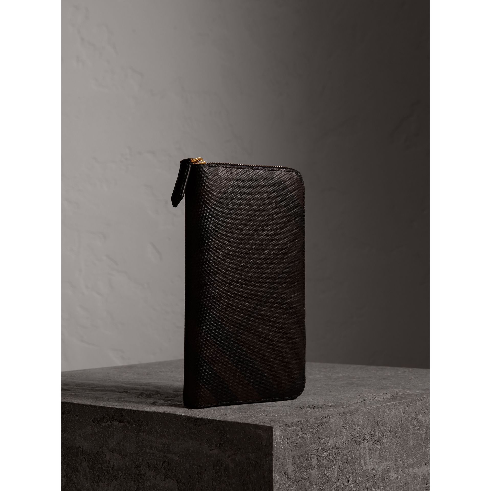 London Check Ziparound Wallet in Chocolate/black - Men | Burberry - gallery image 1