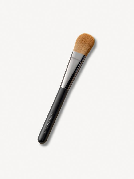 Foundation Brush No.04 | Burberry Canada