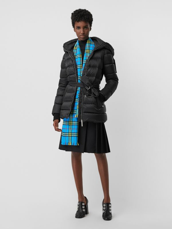 Check Cashmere Scarf in Bright Sky Blue | Burberry United Kingdom - cell image 2