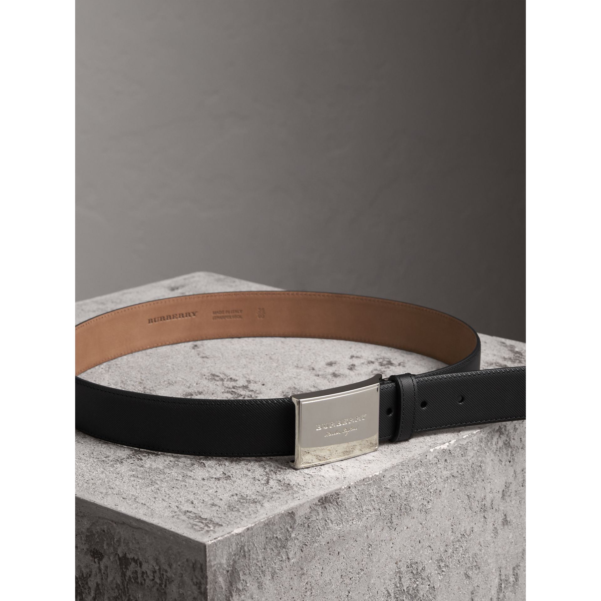 Brass Plaque Buckle Trench Leather Belt in Black - Men | Burberry - gallery image 3