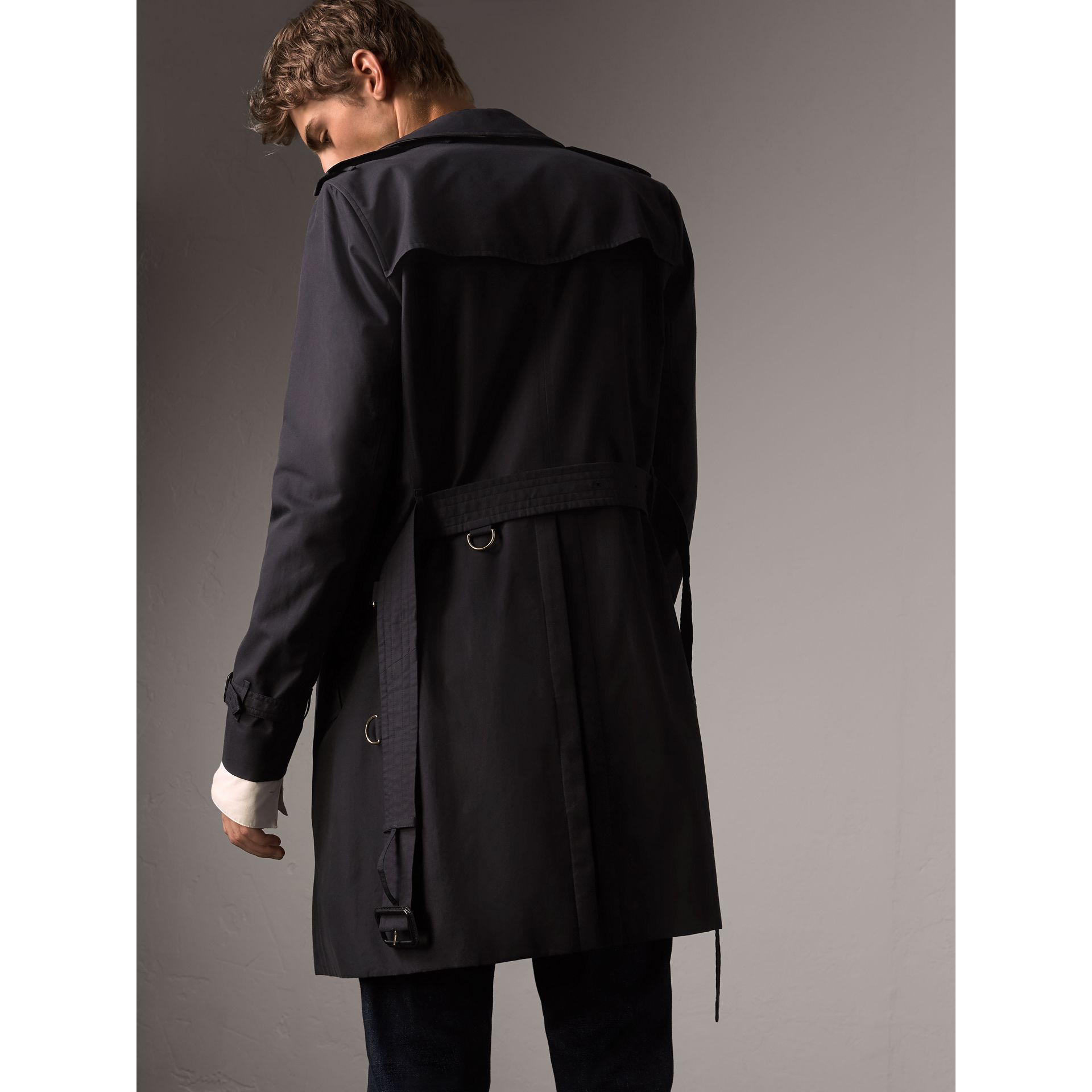 The Sandringham – Long Trench Coat in Navy - Men | Burberry United Kingdom - gallery image 3