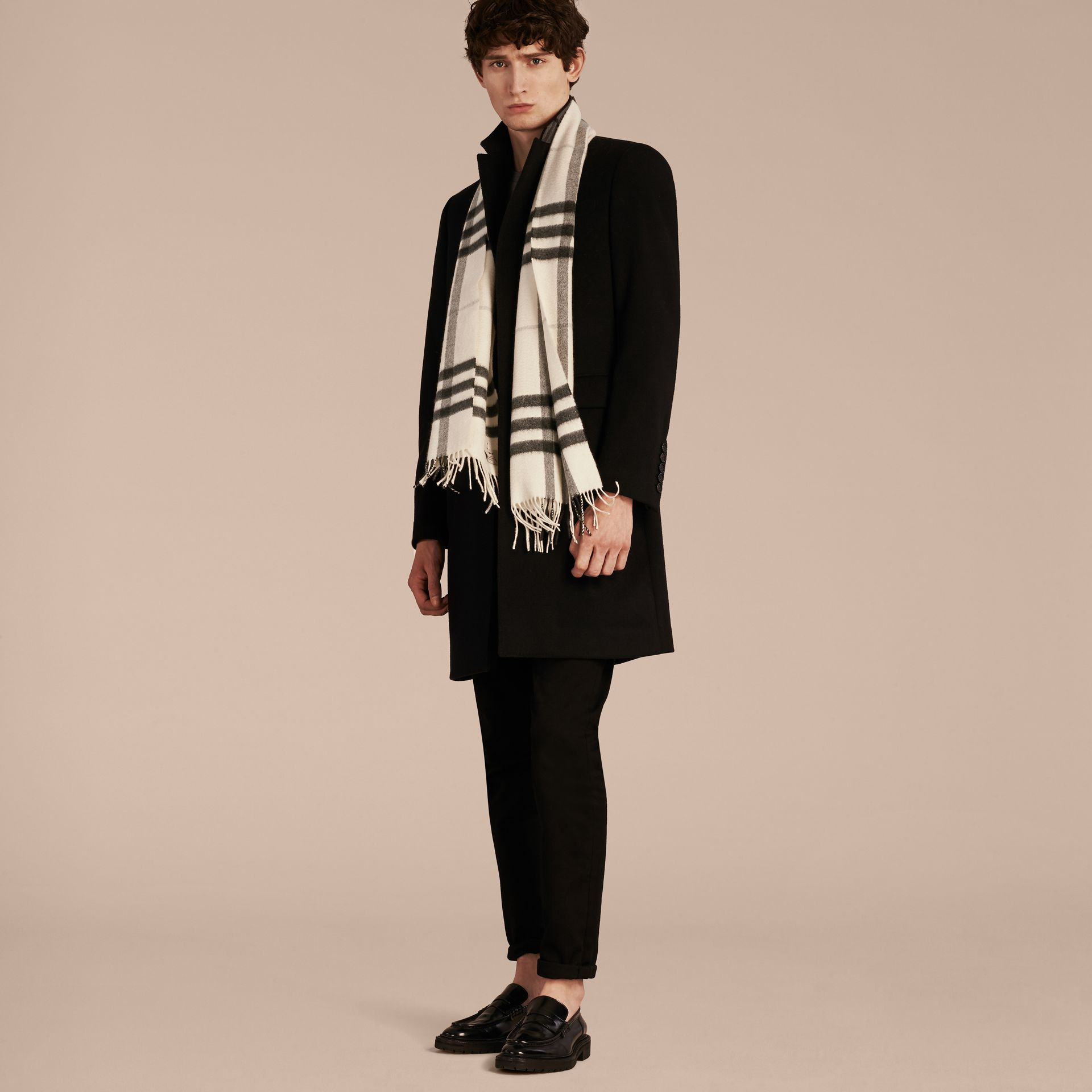 The Classic Cashmere Scarf in Check Natural White - gallery image 4