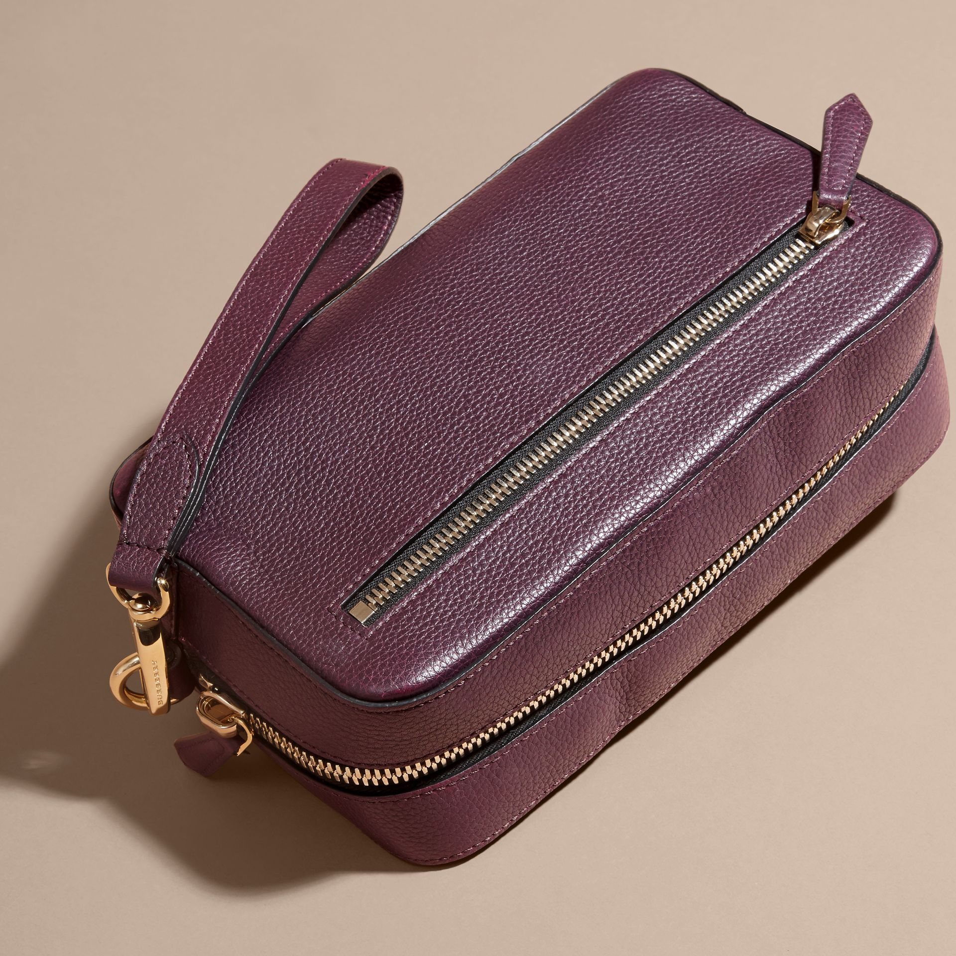 Dark amethyst Grainy Leather Washbag - gallery image 4