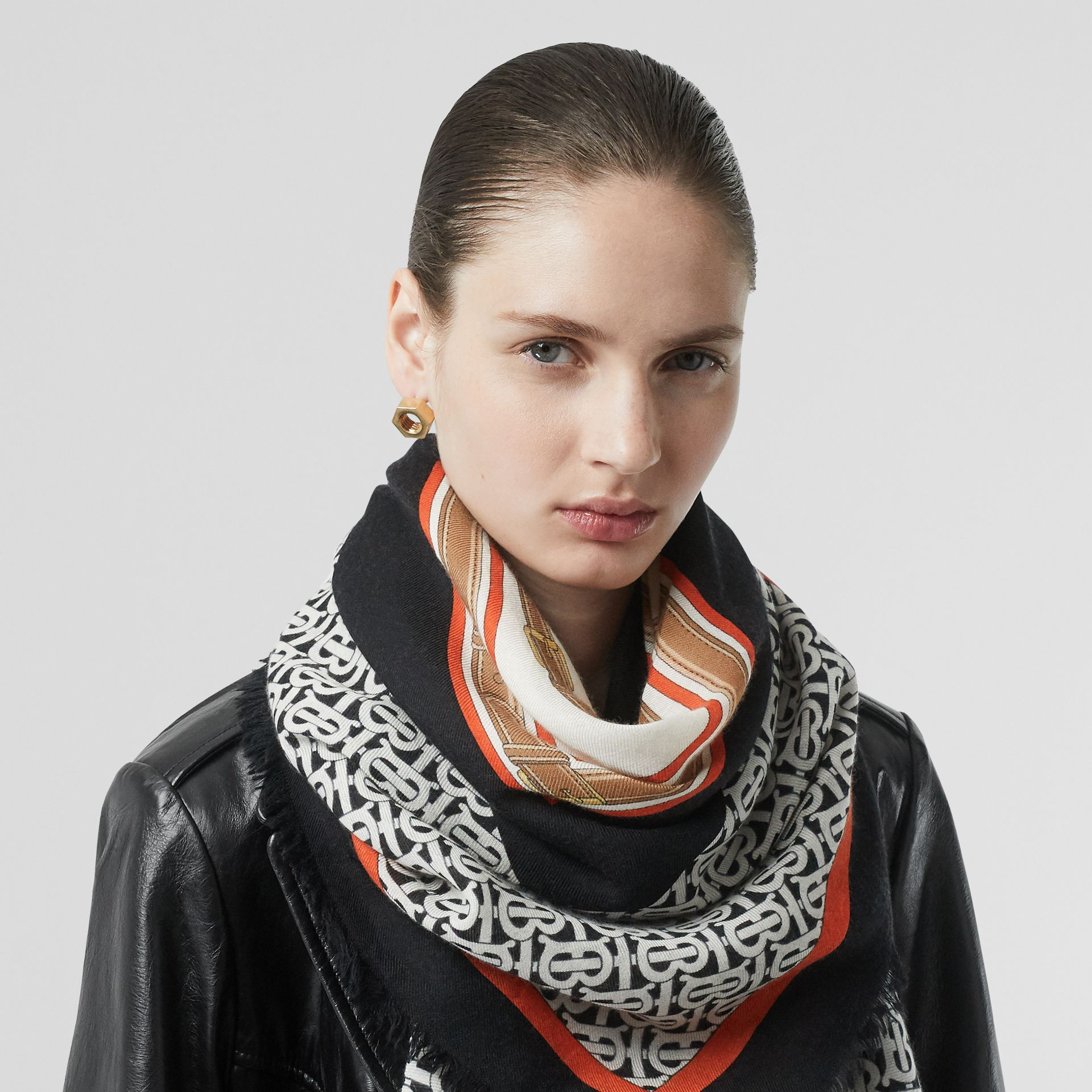 Archive Scarf Print Cashmere Large Square Scarf in Black | Burberry - gallery image 2
