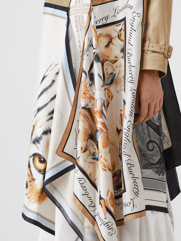 Animalia Print Cotton Twill Trench Coat in Soft Fawn - Women | Burberry Canada - cell image 3