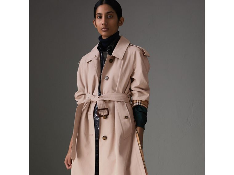 Side-slit Tropical Gabardine Trench Coat in Antique Taupe Pink - Women   Burberry United States - cell image 4