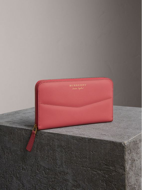 Two-tone Trench Leather Ziparound Wallet in Blossom Pink
