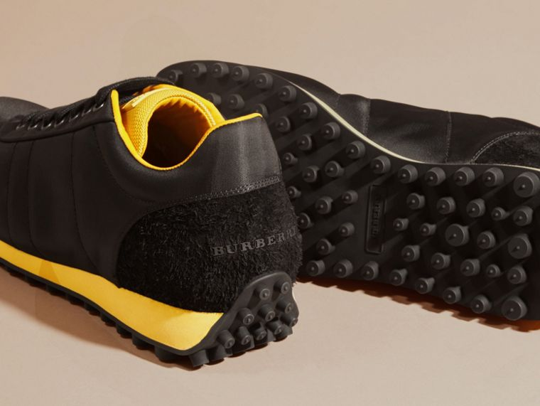 Nero/giallo bruciato Sneaker tecniche con finiture effetto texture Nero/giallo Bruciato - cell image 4